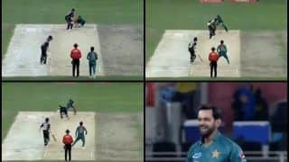 Pakistan vs New Zealand 2nd T20I at in Dubai: Mohammed Hafeez-Sarfraz Ahmed Combine to Dismiss Colin Munro -- WATCH