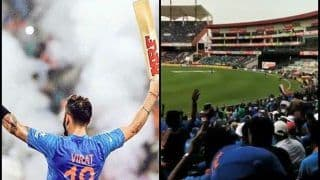 India vs West Indies 5th ODI: Virat Kohli Gets a Rousing Reception When he Comes Out to Bat at Trivandrum -- WATCH