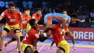 Pro Kabaddi League: Prapanjan Shines as Gujarat Fortunegiants Thump Bengal Warriors 35-23