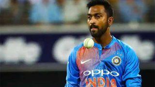 4 ओवर में 55 रन देने के बाद हार्दिक ने क्रुणाल पांड्या का जमकर उड़ाया मजाक