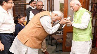 आडवाणी के 91वें जन्मदिन पर शुभकामनाएं देने घर पहुंचे पीएम मोदी, राजनाथ ने बताया बीजेपी के पितामह