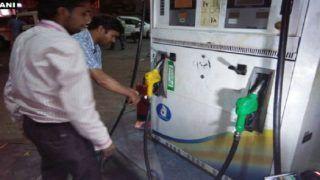 कच्चा तेल सस्ता होने से पेट्रोल-डीजल की कीमत में कटौती जारी, 18 रुपए तक दाम घटाने की मांग