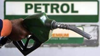 Fuel Prices Drop Again: Petrol at Rs 71.94 Per Litre in Delhi, Rs 76.72 Per Litre in Mumbai