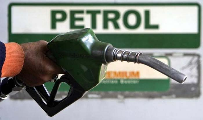Fuel Prices Continue to Rise; Petrol at Rs 70.55 Per Litre in Delhi, Rs 76.18 Per Litre in Mumbai