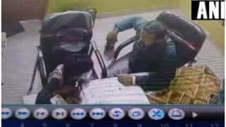 7 वर्षीय बच्चे के साथ ट्यूशन टीचर की बर्बरता- चप्पल से पीटता था, दांत से काटता था, CCTV में कैद हुई हरकत