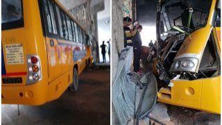 नोएडा: रजनीगंधा चौक अंडरपास के खंभे से टकराई स्कूल बस, 12 छात्र घायल