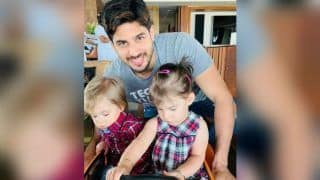 Sidharth Malhotra Strikes a Pose With Karan Johar's Twins Roohi And Yash Johar; See Picture