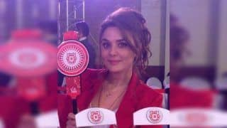 IPL 2019 Player Auction: KXIP Co-Owner Preity Zinta Has a Message For Coach Mike Hesson Ahead of Bidding War