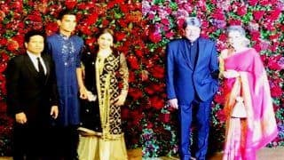 Sachin Tendulkar, Kapil Dev, Mahesh Bhupathi Spotted at Deepika Padukone, Ranveer Singh's Wedding Reception | WATCH