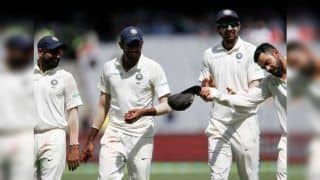 India vs Australia 3rd Test Melbourne: Virat Kohli Doffing His Hat to Jasprit Bumrah For His Record Breaking Six-For is The best Thing on Internet   WATCH