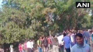 बुलंदशहर हिंसा: सुमित का एक और वीडियो वायरल, पुलिसवालों को पत्थर मारता दिखा