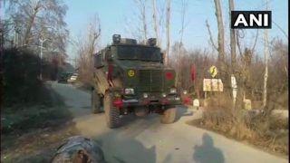 कश्मीर के पुलवामा में तीन आतंकियों सहित 11 लोगों की मौत, अधिकांश इलाकों में मोबाइल-इंटरनेट सेवा बंद