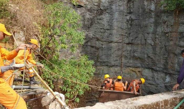 Meghalaya: Now Indian Navy Divers Join the Operations to Rescue Miners Trapped For Fortnight