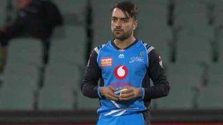 पिता की मौत के बावजूद मैच खेलने पहुंचे राशिद खान, टीम के लिए झटके 2 विकेट