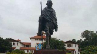 अफ्रीका: महात्मा गांधी पर 'नस्लवादी' होने का आरोप, छात्रों के विरोध के बाद गांधी प्रतिमा हटाई गई