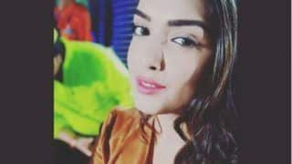 Bhojpuri Hot Actress Amrapali Dubey Looks Hot in Brown Jacket as She Poses For a Selfie, See Pic