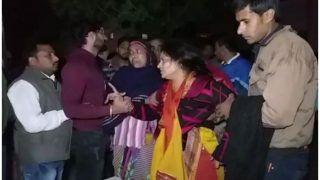 बिलखते हुए बोलीं इंस्पेक्टर सुबोध कुमार की पत्नी- 'मुझे उनसे मिलने दो, सिर पर हाथ रखते ही ठीक हो जाएंगे'