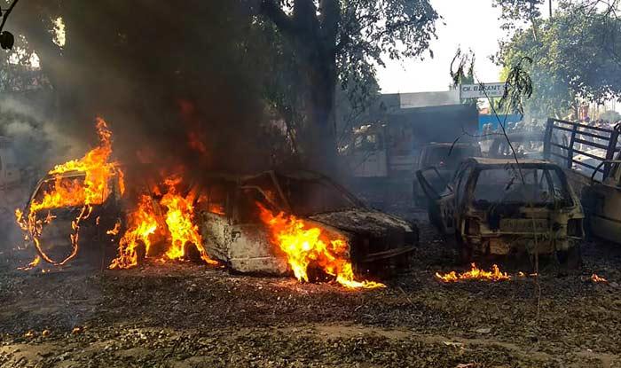 Bulandshahr Violence Updates: 87 लोगों पर FIR, इंस्पेक्टर सुबोध को छोड़कर भाग गए थे पुलिसवाले