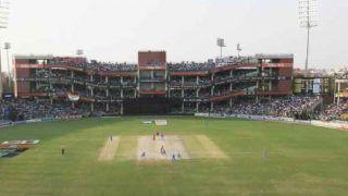 कोटला की पिच पर फेरा 'पानी', मैच शुरू होने में हुई देर तो उठ रहे हैं सवाल