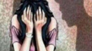 किशोरी को सौतेले पिता ने बनाया हवस का शिकार, मां को पता चला तो दर्ज कराई FIR