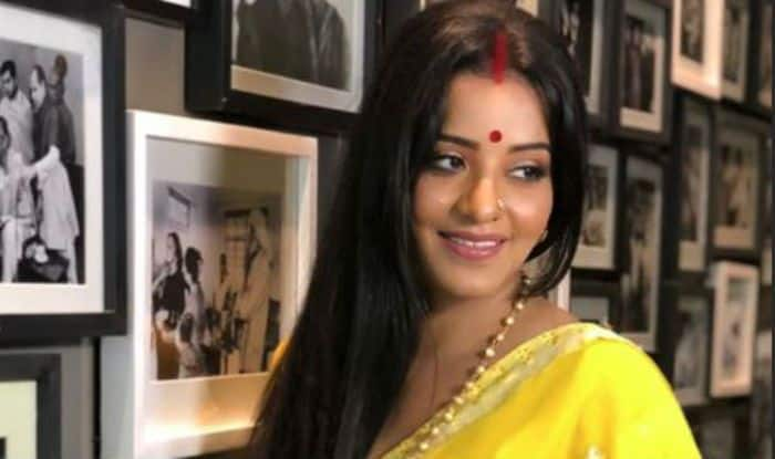 Bhojpuri Actress And Nazar Fame Monalisa Looks Sizzling Hot in Yellow Saree And Red Sindoor – See Picture