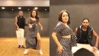 Neha Kakkar Showcases Killer Moves on Ranveer Singh And Sara Ali Khan's Aankh Maare From Simmba, Watch