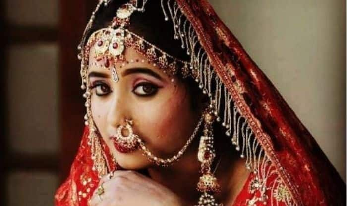 Bhojpuri Hottie Rani Chatterjee Makes For a Radiant Bride in This Throwback Picture, Check