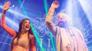 Haryanvi Hot Bomb Sapna Choudhary Looks Sexy as She Performs Bhangra on Kudiyan Sehar Diyan Along With Daler Mehendi - Watch Video
