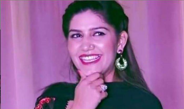 Haryanvi Sizzler Sapna Choudhary Flaunts Her Sexy Thumkas on 'Teri Aakhya Ka Yo Kajal' During Stage Show in Delhi – Watch