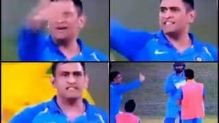 2nd ODI India vs Australia Adelaide: MS Dhoni Loses Cool on a Teammate During Drinks Break With Dinesh Karthik | WATCH