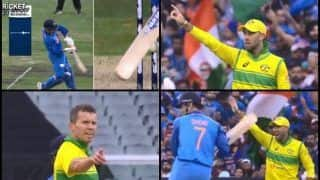 3rd ODI India vs Australia Melbourne: MS Dhoni Finds Himself Lucky After Aaron Finch-Led Australia Do Not Appeal Against His Dismissal | WATCH
