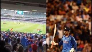 3rd ODI India vs Australia: 'Man of The Series' MS Dhoni Receives Standing Ovation as he Walks Out to Bat | WATCH