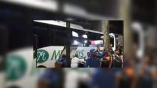 3rd ODI India vs Australia Melbourne: Virat Kohli, MS Dhoni, Ravi Shastri And Team India Get Rousing Reception From Fans After Historic Series Win | WATCH