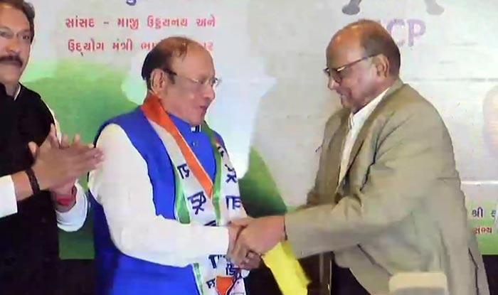Lok Sabha Elections 2019: Former Gujarat CM Shankersinh Vaghela Joins Nationalist Congress Party in Presence of Sharad Pawar