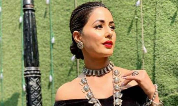 Television Hotness Hina Khan Looks Sexy in Black Lehenga Choli And Bold Lips as She Flaunts Her Washboard Abs in Sun-kissed Picture
