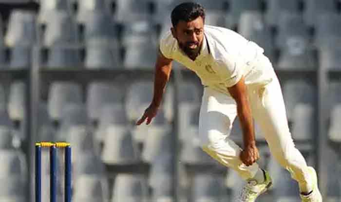 रणजी ट्रॉफी सेमीफाइनल: सौराष्ट्र के खिलाफ फ्लॉप हुआ कर्नाटक का टॉप ऑर्डर, उनादकट ने झटके 4 विकेट