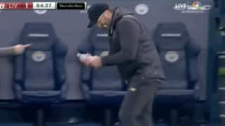 Premier League 2018-19 Manchester City vs Liverpool: Jurgen Klopp's Strange Celebration After Firmino Equaliser Has Gone Viral