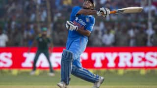 India vs Australia 1st ODI Sydney: MS Dhoni Registers Second Slowest ODI Fifty, Twitter Slams Former India Captain