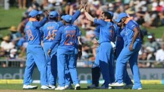 1st ODI India vs New Zealand Match Report: Mohammed Shami, Shikhar Dhawan Shine as India Crush New Zealand by 8 Wickets After Sun-Induced Stoppage
