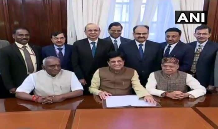 Budget 2019 to be Presented Today; Grand Announcements With Focus on Farmers, Salaried Class Likely