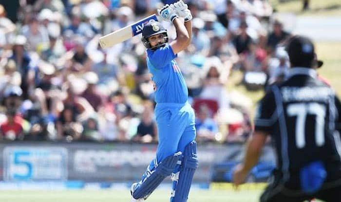 India vs New Zealand 3rd ODI: Rohit Sharma Equals MS Dhoni's Record, Slams Most Sixes For India in One-Day Internationals