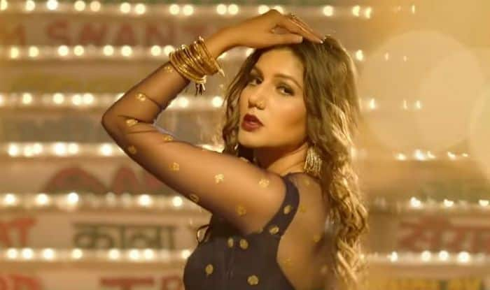 Haryanvi Sizzler Sapna Choudhary Looks Hot as She Flaunts Her Sexy Thumkas on Her New Song 'Tring Tring' From Dosti Ke Side Effectss – Watch
