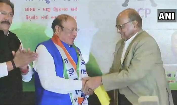 गुजरात के पूर्व सीएम शंकर सिंह वाघेला शरद पवार की एनसीपी में हुए शामिल