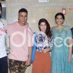 Ek Ladki Ko Dekha To Aisa Laga: Sonam Kapoor Hosts Special Screening of Her Film, Akshay Kumar, Twinkle Khanna, Anand Ahuja Pose For The Paparazzi; See Pictures