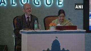 आतंकवाद और इसका इस्तेमाल करने वालों को कतई बर्दाशत न किए जाए: सुषमा स्वराज