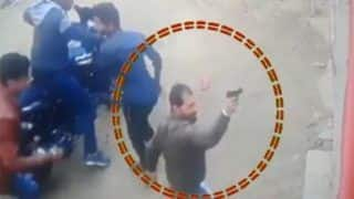 बिहार में रंगदारी नहीं देने पर हुई गुंडगर्दी का है ये वीडियो, बदमाशों ने महिला पर किया हमला