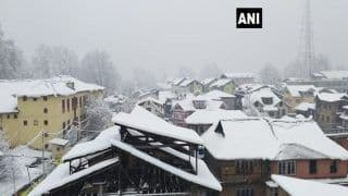 Fresh Snowfall Throws Normal Life Out of Gear in Jammu And Kashmir