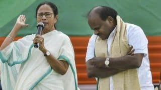 Karnataka CM Kumaraswamy Backs Mamata Banerjee as PM Face of Opposition's Grand Alliance, Says She is 'Simplest of the Simple'