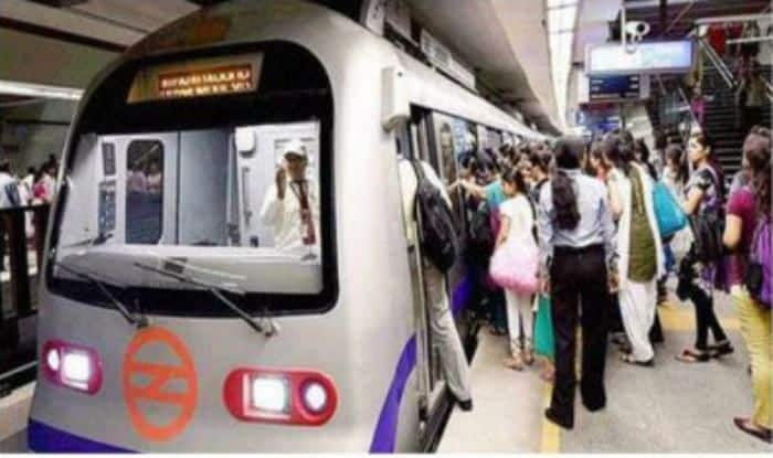 Delhi: Man Who Jumped on Blue Line Track Declared Brought Dead at Lady Hardinge Medical College