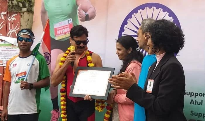 Nagpur: Man Runs 12 Hours With Tricolour in Hand to Celebrate Republic Day; Registers Achievement in Asia Book of Records